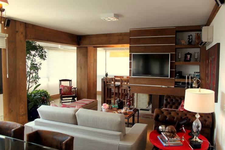 Living room by Mariana M Simoes arquitetura conceitual,