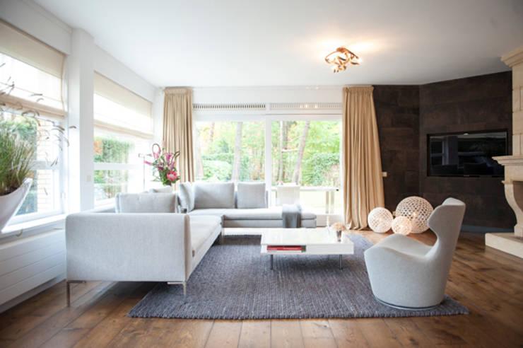 Interieuradvies benedenverdieping:  Woonkamer door Mood Interieur, Modern