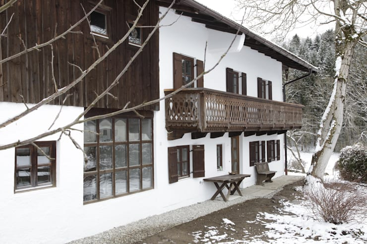 Ullerting 8 - Wohnhaus R+B: landhausstil Häuser von Nico Wallner Architekt