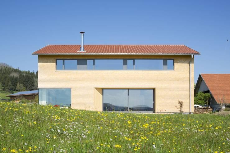 Haus Hiemer:  Holzhaus von architektur + raum
