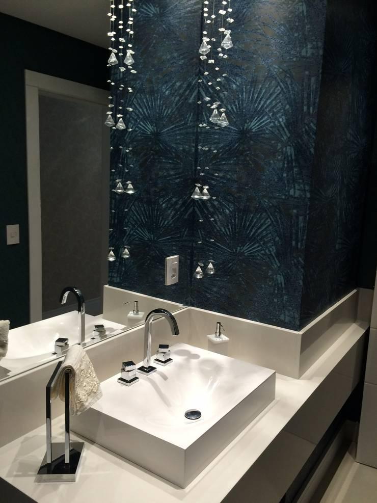Apartamento: Banheiro  por Arteforma Arquitetura