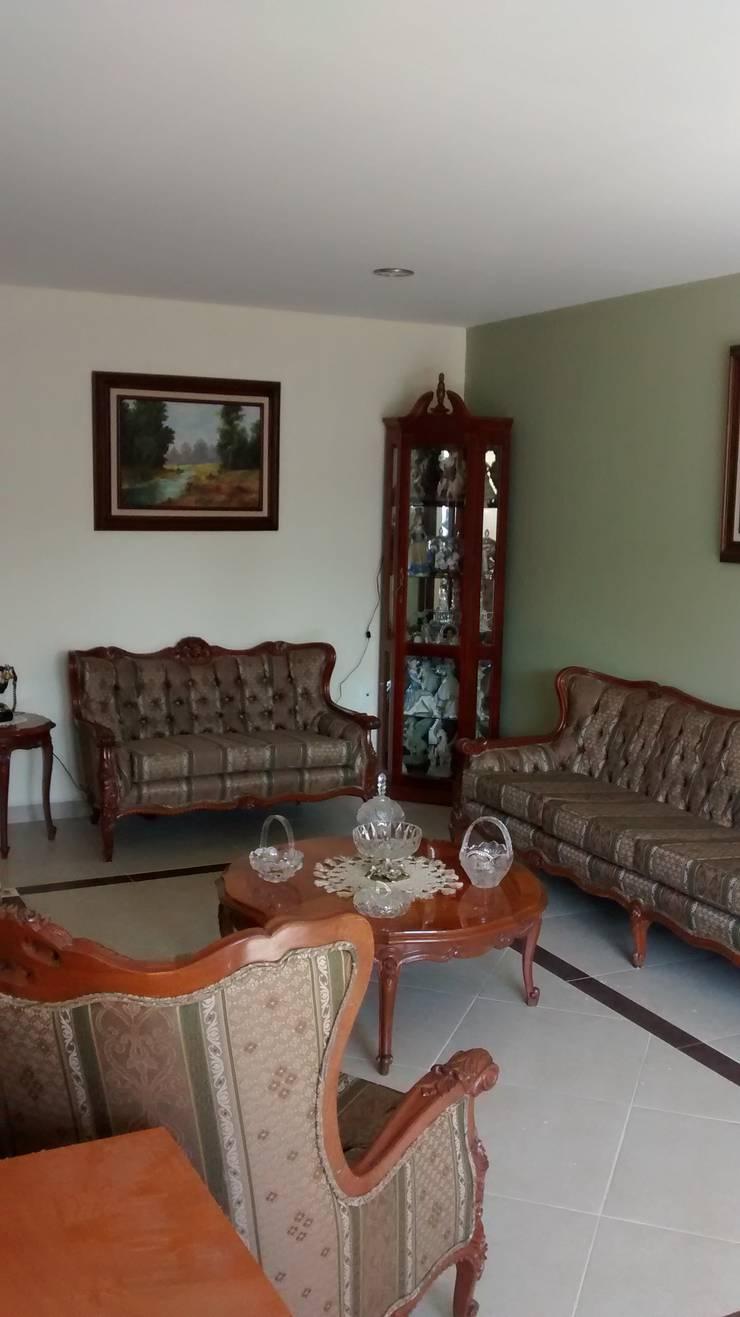 CASA Habitación FGI: Salas de estilo  por ISLAS & SERRANO ARQUITECTOS