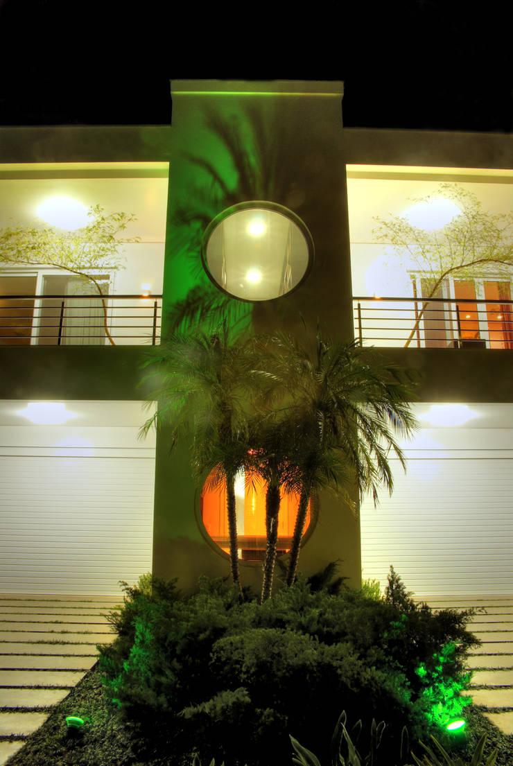 fachada principal: Casas  por ANDRÉ PACHECO ARQUITETURA