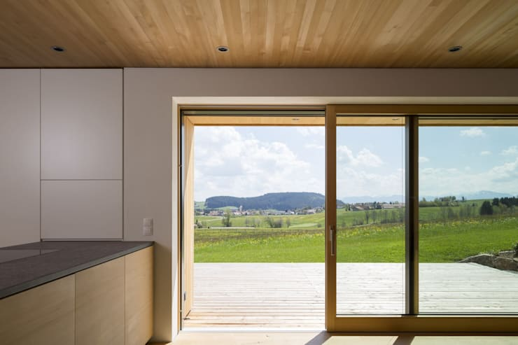 Haus Hiemer:  Terrasse von architektur + raum