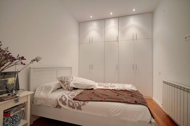 Habitación promoción ELIX Aragó, 35: Dormitorios de estilo minimalista de ELIX