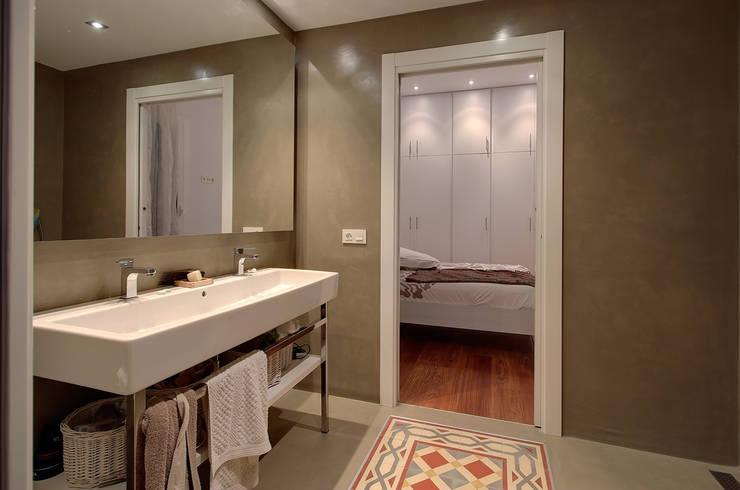 Banheiros minimalistas por ELIX