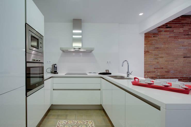 Promoción ELIX Sardenya, 354 - Barcelona: Cocinas de estilo minimalista de ELIX
