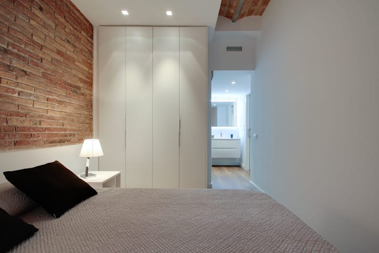 minimalistic Bedroom by ELIX