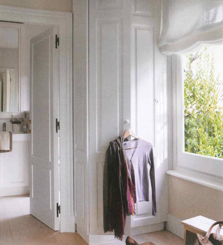 Vivienda unifamiliar en Barcelona: Dormitorios de estilo  de Coton et Bois