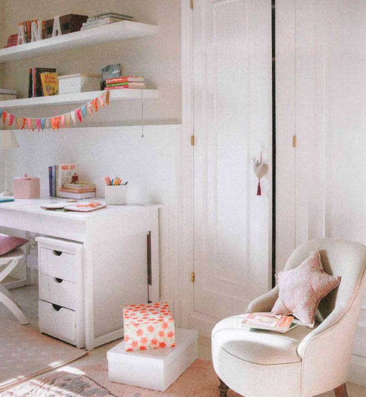 Vivienda unifamiliar en Barcelona: Dormitorios infantiles de estilo  de Coton et Bois
