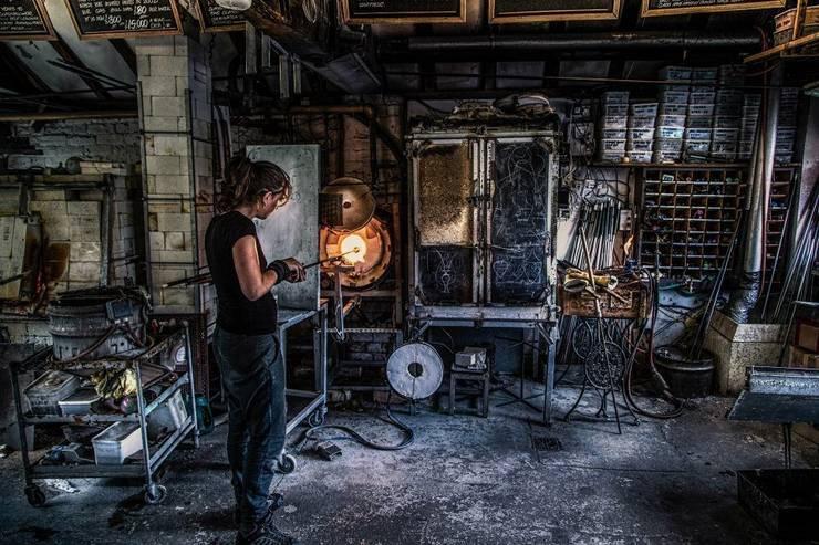 El proceso del vidrio soplado: Museos de estilo  de Alba Martín Vidrio Soplado