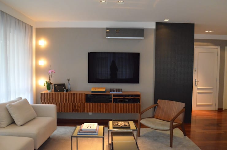 Sala: Salas de estar  por Compondo Arquitetura
