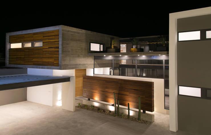 Casa FAR: Casas de estilo  por VG+VM Arquitectos