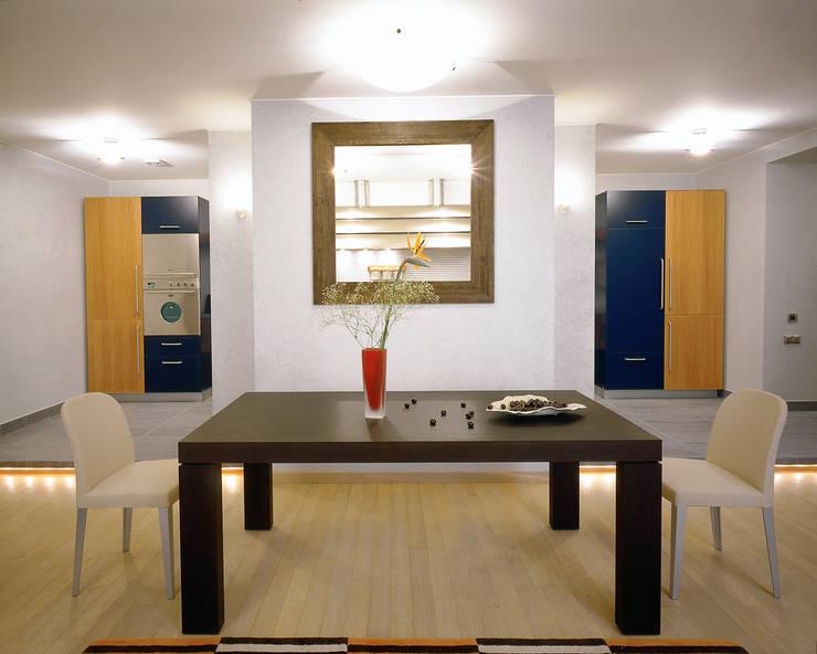 Балтийские дюны: Столовые комнаты в . Автор – Studio B&L , Минимализм