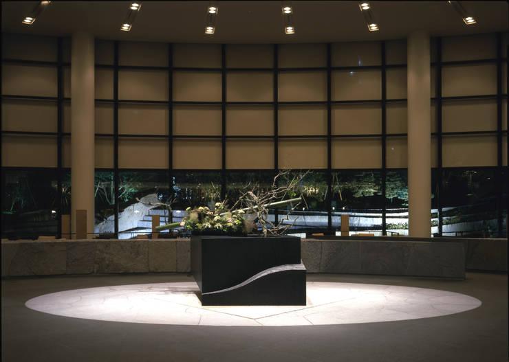 セルリアンタワー東急ホテル日本庭園 閑坐庭: 枡野俊明+日本造園設計が手掛けた現代のです。,モダン