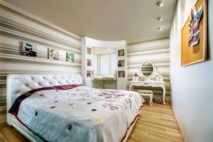 Проект 3х комнатной квартиры-студии 95 м²: Спальни в . Автор – SAZONOVA group