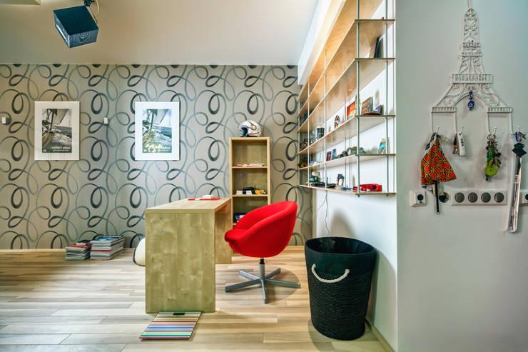 Проект 3х комнатной квартиры-студии 95 м²: Рабочие кабинеты в . Автор – SAZONOVA group