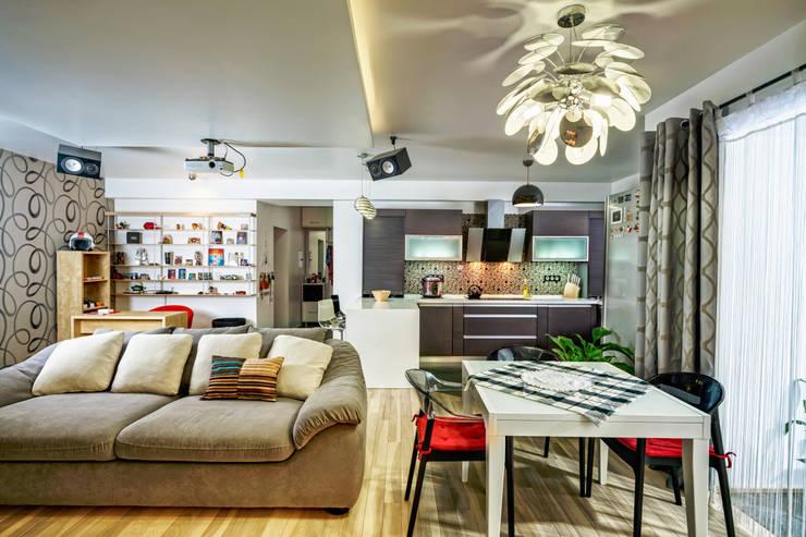 Проект 3х комнатной квартиры-студии 95 м²: Столовые комнаты в . Автор – SAZONOVA group