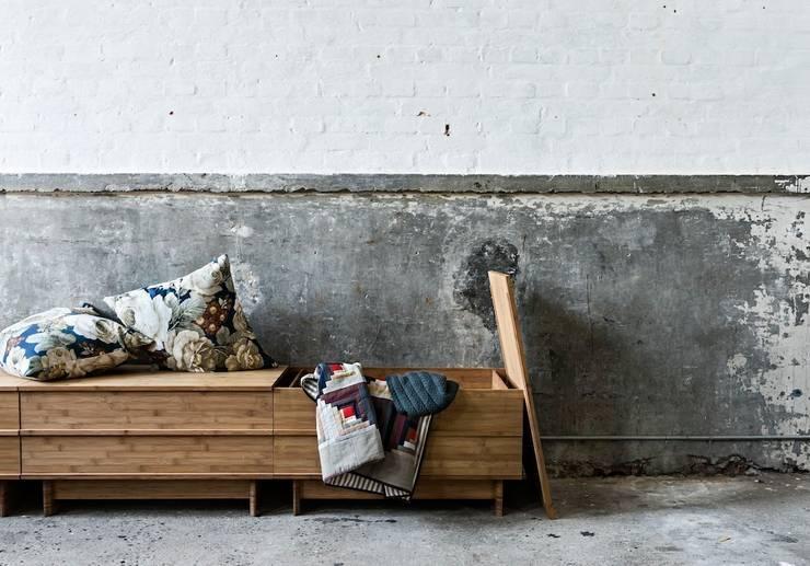 Projekty,  Jadalnia zaprojektowane przez We Do Wood