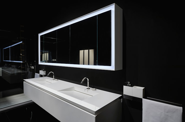 Baños de estilo  por Ri.fra mobili s.r.l.