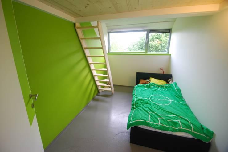 Flawinne I Habitation privée basse énergie ; K 29 - Ew 65: Maisons de style de style Moderne par SECHEHAYE Architecture et Design