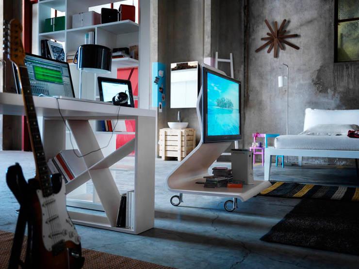 COBRA TV-Möbel:  Wohnzimmer von HORM.IT