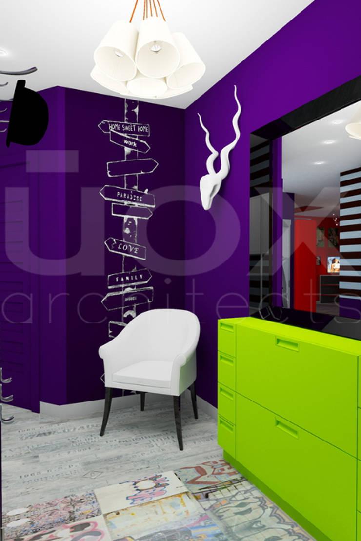 Квартира <q>POPart&cocaCOla</q>: Коридор и прихожая в . Автор – ЙОХ architects, Эклектичный