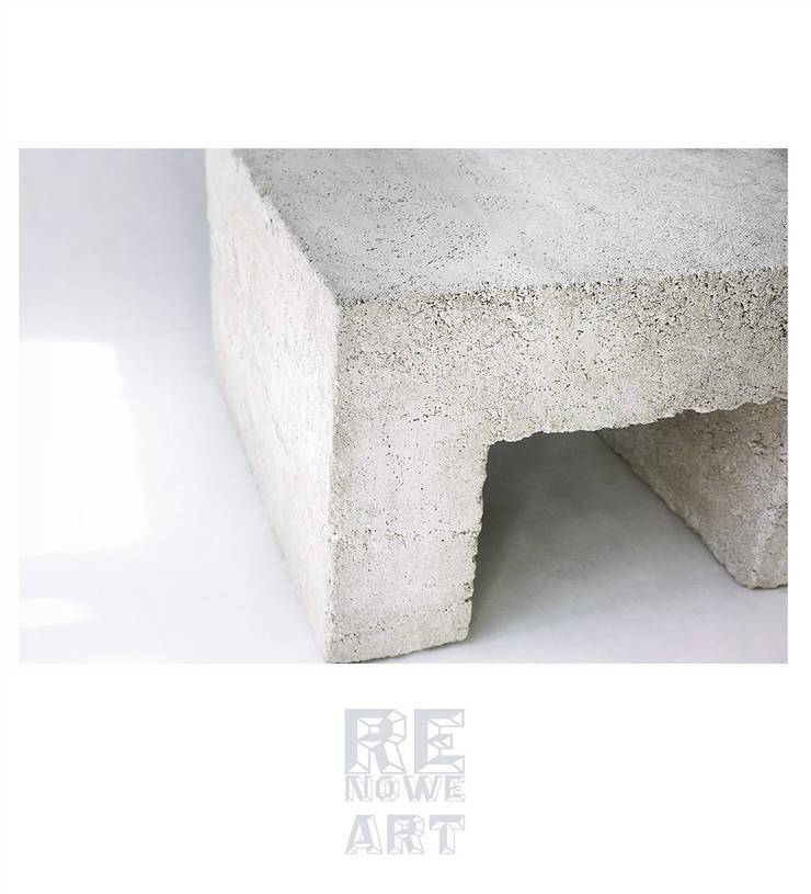 Stolik kawowy z litego betonu : styl , w kategorii Salon zaprojektowany przez ReNowe Art,