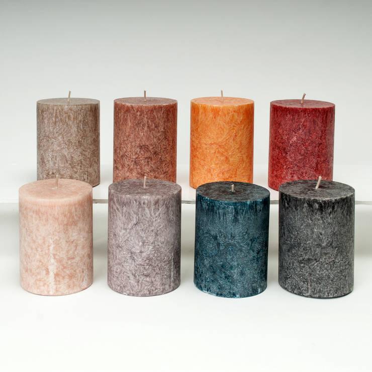 8 warme kleuren:  Woonkamer door My Flame Lifestyle