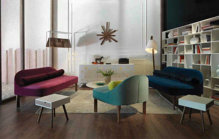 POLKA DOTS FULL-WHITE Sideboard: moderne Wohnzimmer von HORM.IT