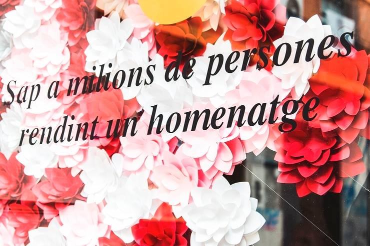 """Decoración campaña """"5 días, 5  sabores"""" para Casal Amstel Fallas 2015: Espacios comerciales de estilo  de empaperart"""