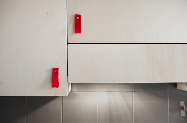 Plywood Kitchen Riccardo Randi: Cucina in stile  di Riccardo Randi