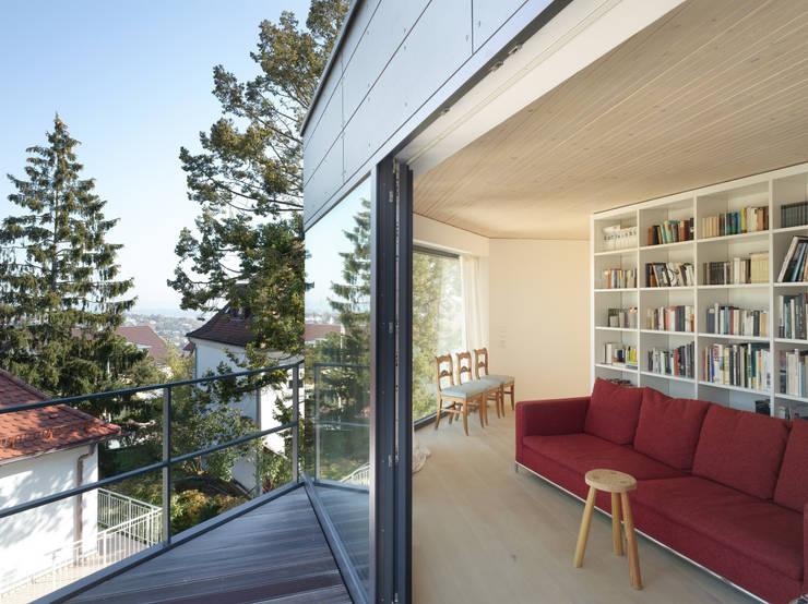 Haus K2:  Terrasse von Bottega + Ehrhardt Architekten GmbH