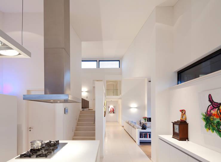 keuken - woonkamer:  Woonkamer door Sax Architecten, Modern
