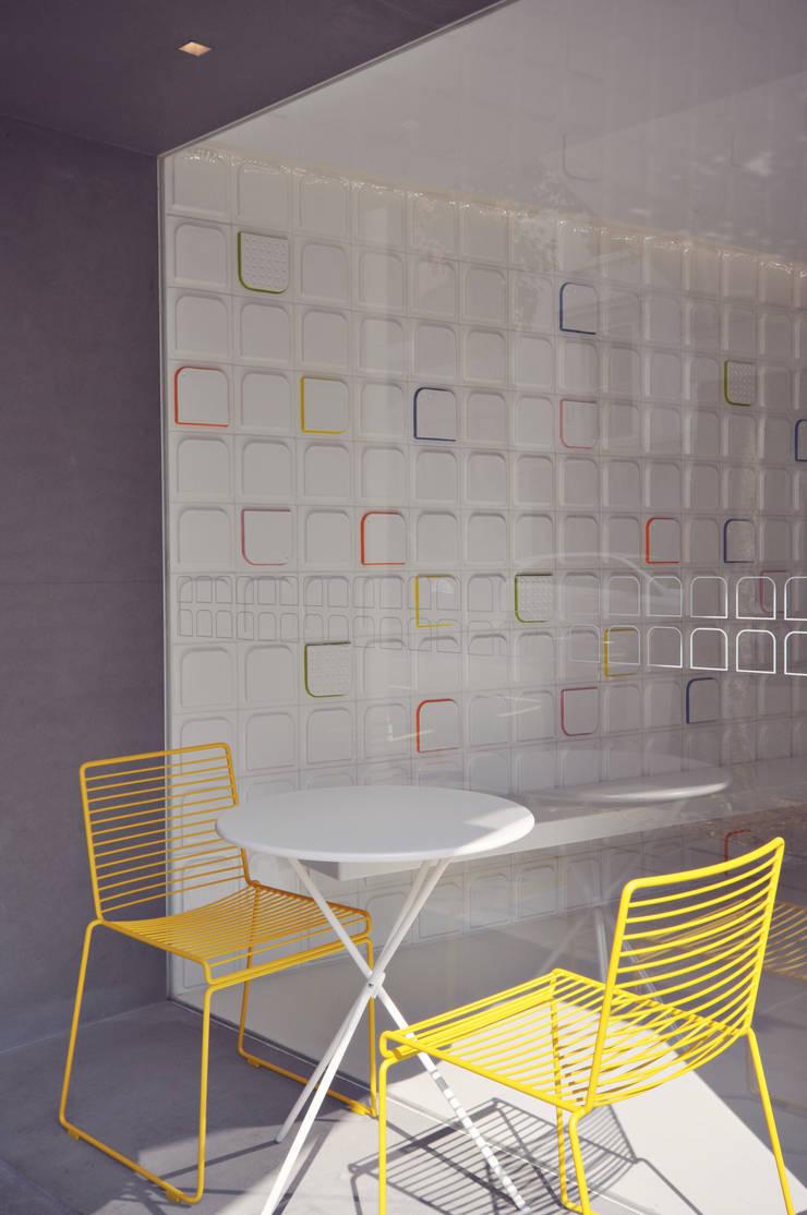 OlivoGelo:  Walls & flooring by Superfutures
