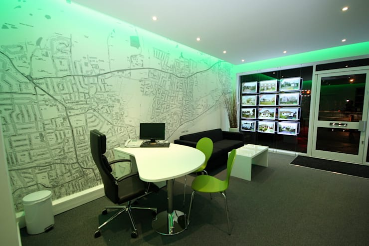 Estate Agency Customised Map Wallpaper:  Offices & stores by Wallpapered