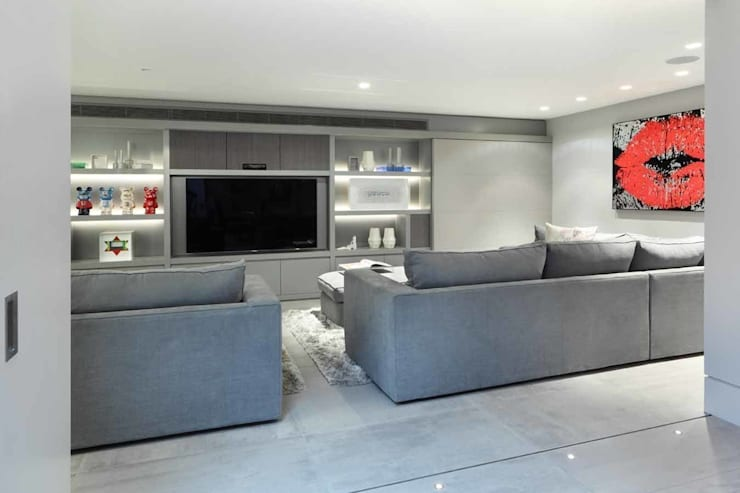 MEDIA ROOM:  Media room by Iggi Interior Design