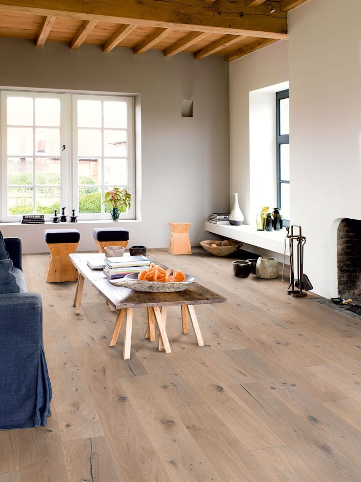 Nougat Oak Oiled:  Walls & flooring by Quick-Step