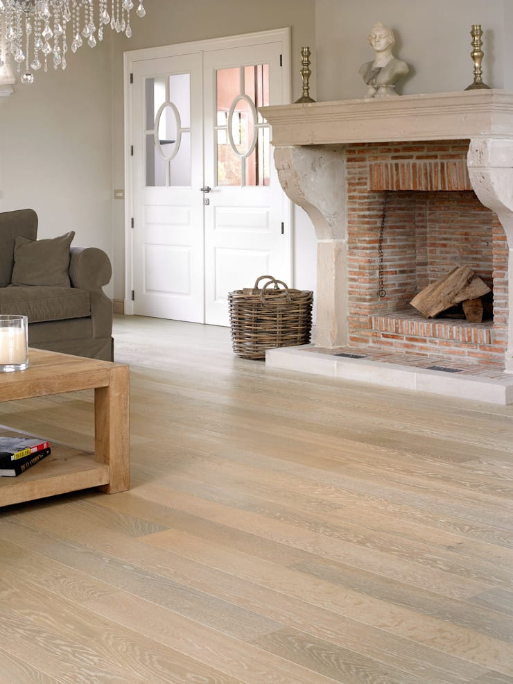 Whitewashed Oak Matt:  Walls & flooring by Quick-Step