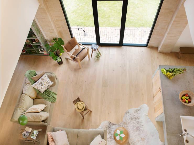 Pure Oak Matt:  Walls & flooring by Quick-Step