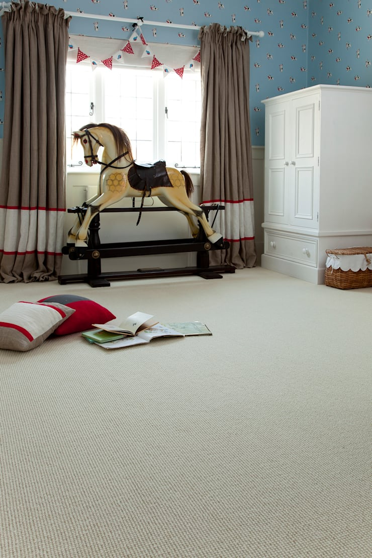 Queen's Ivory:  Walls & flooring by Crown Floors