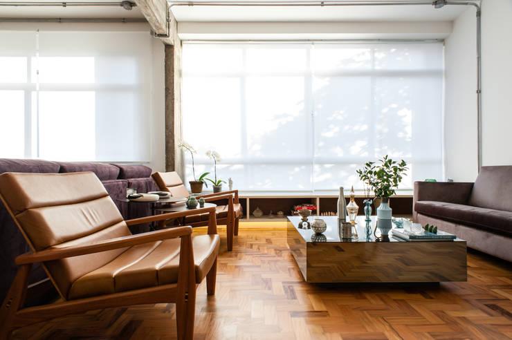Manoel Guedes: Salas de estar  por PM Arquitetura