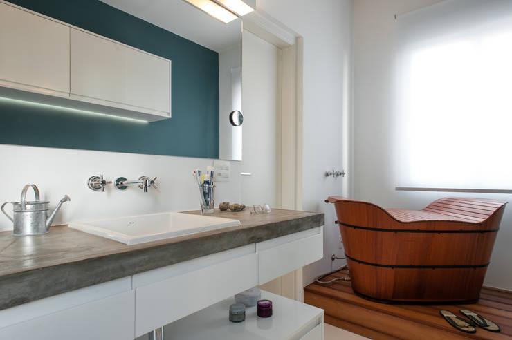 浴室 by PM Arquitetura