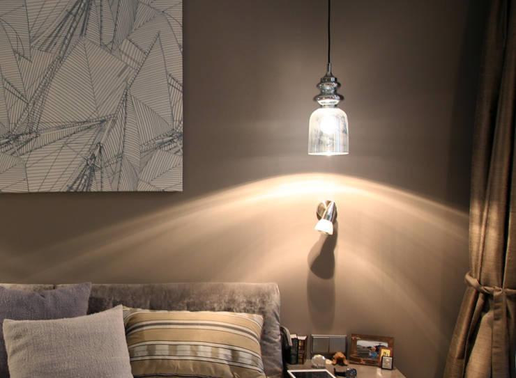 Маленькая квартира на Плющихе: Спальни в . Автор – Архитектурная Мастерская Акинкина и Авруцкой