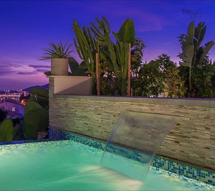 piscina: Piscinas de estilo  de Hansen Properties