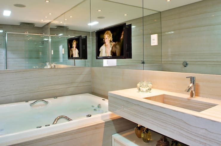 Baños de estilo  por Evviva Bertolini