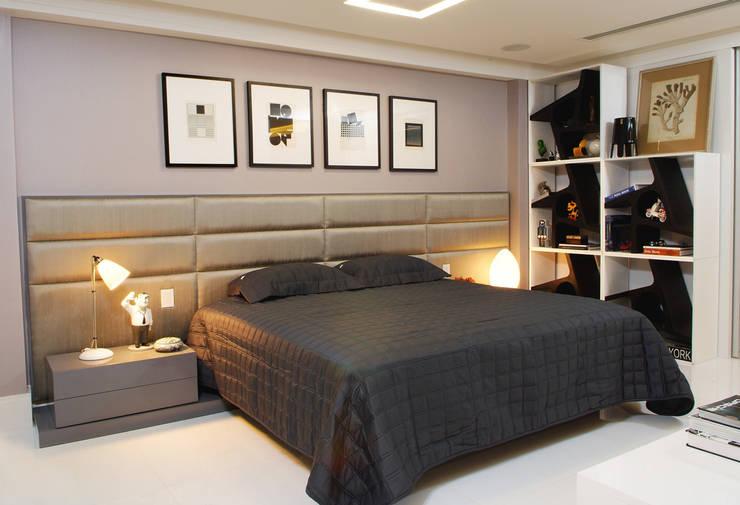 tropical Bedroom by Evviva Bertolini