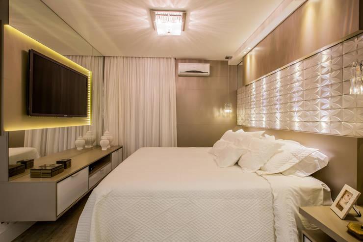 Apartamento em Cascavel: Quartos  por Evviva Bertolini,