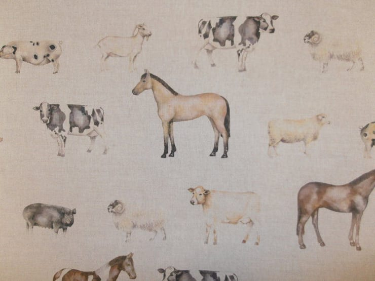 Farmyard:  Living room by Herts Upholstery