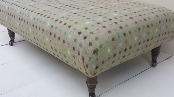 Multi Spot Lime:  Living room by Herts Upholstery